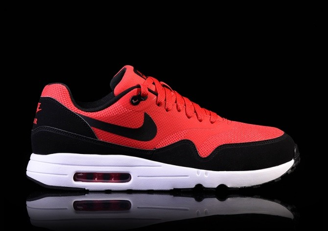NIKE AIR MAX 1 ULTRA 2.0 ESSENTIAL UNIVERSITY RED