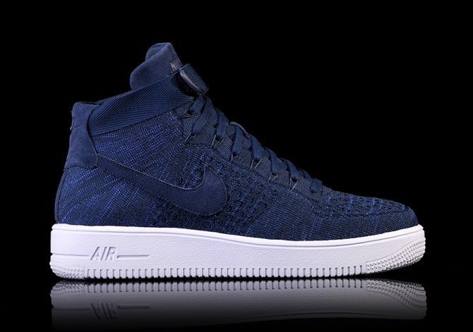 2763399edb94 NIKE AIR FORCE 1 ULTRA FLYKNIT MID COLLEGE NAVY pour €129,00 ...