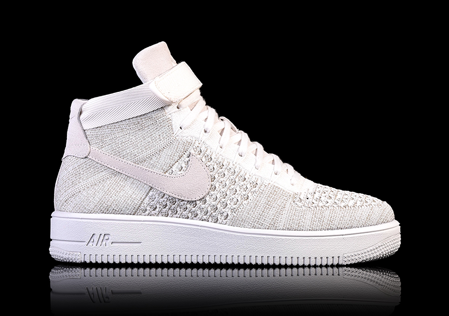 super popular a86aa 7342b NIKE AIR FORCE 1 ULTRA FLYKNIT MID SAIL voor €122,50  Basket