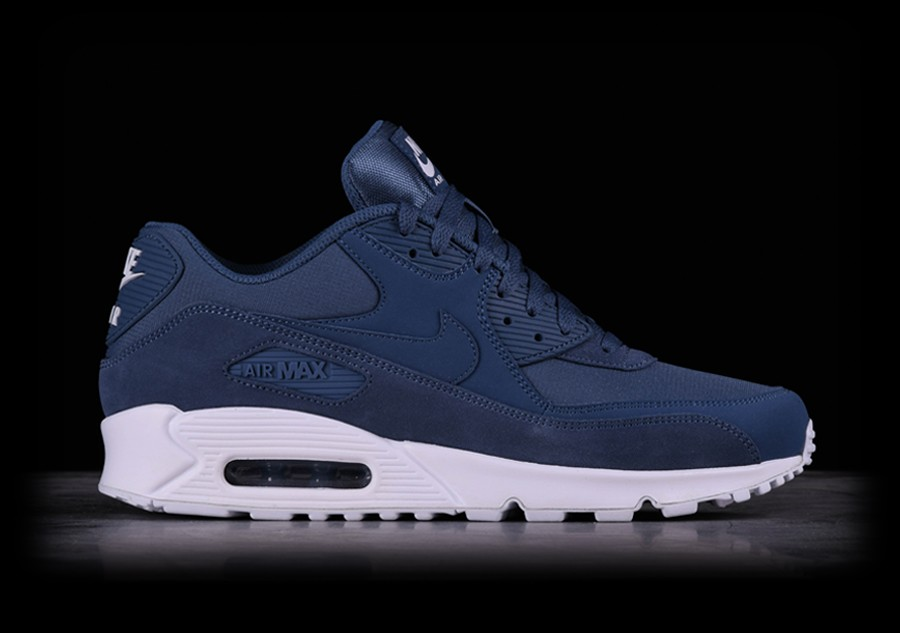 NIKE AIR MAX 90 ESSENTIAL DIFFUSED BLUE pour €127,50