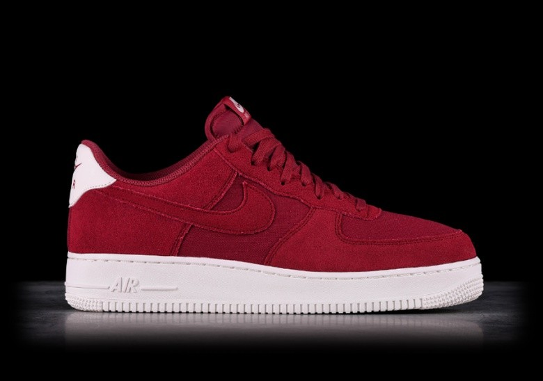 meilleures baskets e9334 1dff6 NIKE AIR FORCE 1 '07 SUEDE RED CRUSH per €99,00 | Basketzone.net