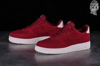 timeless design 2f95a 07dea NIKE AIR FORCE 1  07 SUEDE RED CRUSH