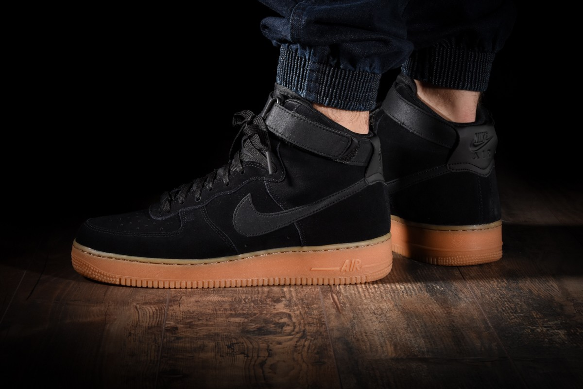 nike air force 1 high lv8 suede