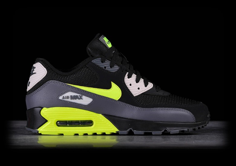 outlet store fff82 26c05 NIKE AIR MAX 90 ESSENTIAL BLACK VOLT