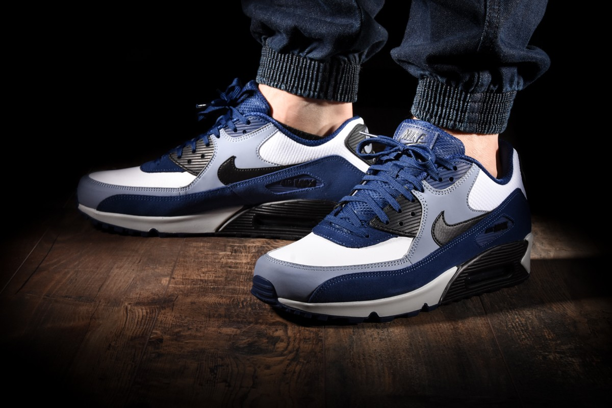 NIKE AIR MAX 90 LEATHER for £120.00